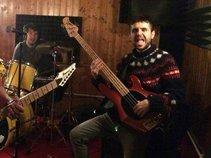 Bass: JOPau