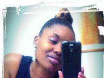 Nelly Nicole