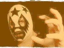 masked tweeter