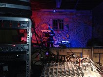 Montag - Synthesizers/Guitar/Vox