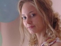 Bella Skydahl