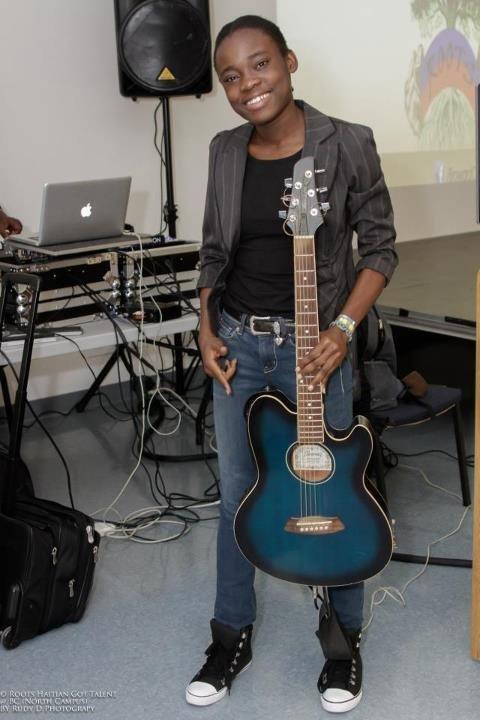 Femme s/'est écrasé Guitares aller au paradis Guitarist Electric Acoustic Music T-Shirt