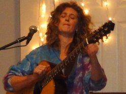 Image for Vicki Genfan