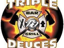 triple deuces bar and grill