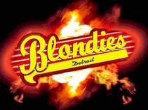 CLUB BLONDIE'S