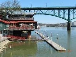Calhoun's on the River (upstairs)