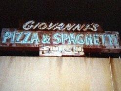 Giovanni's Italian Lounge
