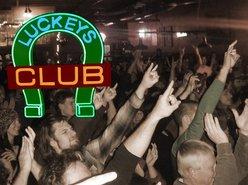 Luckey's Club