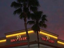 V's Town Tavern