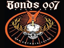 Bonds 007 Rock Bar