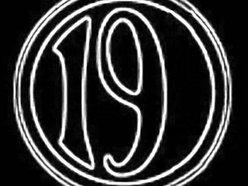 19 Broadway Bar & Night Club