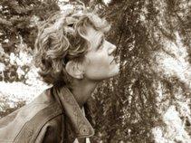 Nordic Roots & Branches, Karen