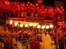 Dodge Street Bar & Grill