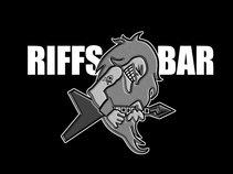 Riffs Bar