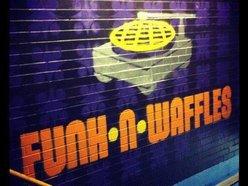 Funk 'n Waffles