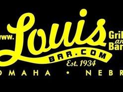 Louis Bar & Grill