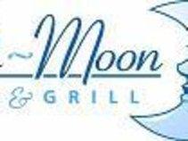 Blu-Moon Bar & Grill